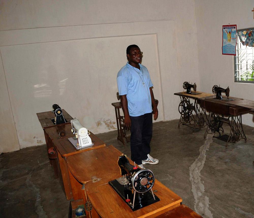 macchine per cucire donate