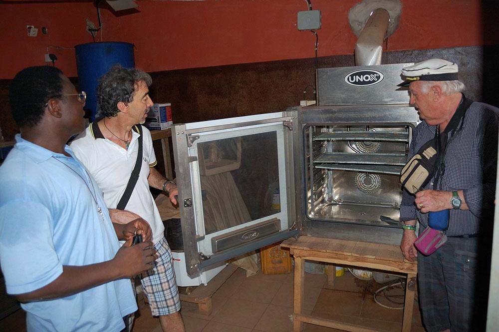 panetteria in funzione a Lom